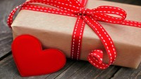 10 Weird Valentines Day Gifts to buy for 2016