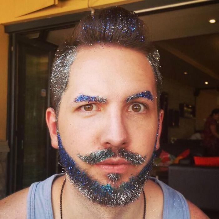 10 weird glitter beards tiptoptens glitter beard trend 47700 700x700 solutioingenieria Gallery