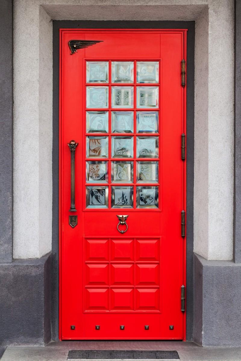 Red-Front-Door-min-e1444471674714