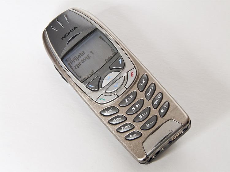 19-Nokia-6310i-01